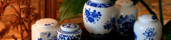 Teedosen aus Porzellan