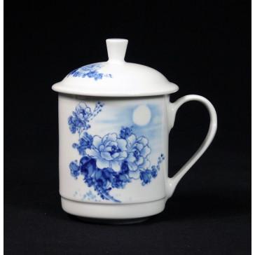 """Chinesische Teetasse mit Deckel """"Rosen-Mondnacht"""", Porzellan-Teetasse im Geschenk-Set"""