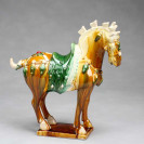 "Tang-Pferd ""Parade"", hell - Pferdeskulptur aus Keramik"