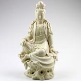 """Blanc-de-Chine """"Göttin der Barmherzigkeit"""", sitzende Guanyin Porzellanstatue"""