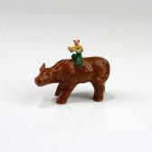 "Keramik-Figur ""Flötenspieler auf Büffel"", Bonsai-Figur"