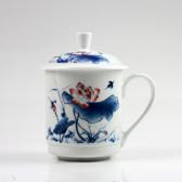 """Chinesische Teetasse Porzellan """"Roter Lotus"""", Deckeltasse groß"""