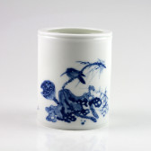 """Chinesische Porzellan-Vase """"Lotuszweig"""", Stiftehalter blau-weiß"""