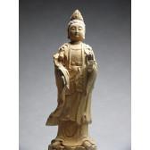 """Holzskulptur """"Guanyin mit Lotus"""""""