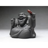 "Groteske Tonskulptur ""Lachender Buddha"""