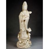 "Blanc-de-Chine ""Anmutige Göttin der Barmherzigkeit"", Guan Yin Porzellanfigur"