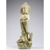 "Blanc-de-Chine ""Guanyin mit Drache und Kind"", Kuan Yin Porzellanfigur, Höhe: 62,5 cm"