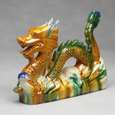 Chinesischer Feng Shui Drache mit Drachenperle, Tang-Keramik rechtsgewandt
