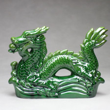 Chinesischer Drache grün mit Drachenkugel, Keramik-Figur groß