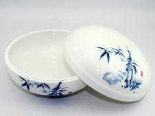 Chinesische Porzellandose mit Deckel