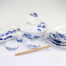 """Asiatisches Geschirr Set """"Lotos und Fische"""""""