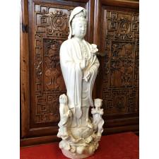 """Blanc-de-Chine """"Guanyin des Kindersegens"""", Kwan Yin Porzellanfigur"""