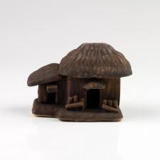"Bonsai-Figur ""Bauernhaus mit Anbau"", Keramikfigur"