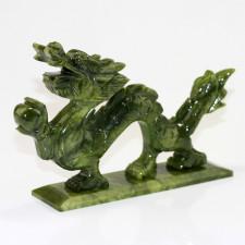 Feng Shui Drache, chinesischer Drache mit Drachenperle