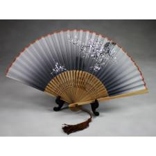 """Chinesischer Handfächer """"Winterblüte"""" (grau), Klappfächer"""