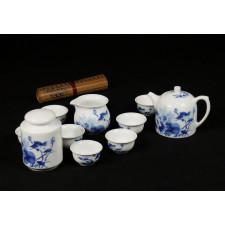 """Chinesisches Teeservice """"Fisch im Lotusteich"""", handbemaltes Porzellan blau-weiß"""