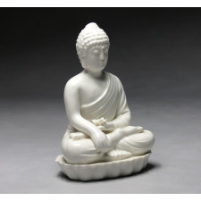 "Porzellanfigur ""Guanyin mit Lotusblüte"""