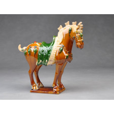 Tang-Pferd Parade, hell (rechtsgewandt) - Pferdeskulptur aus Keramik